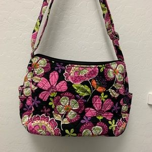 Vera Bradley On The Go Crossbody. EUC